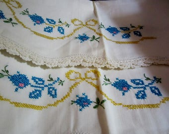 Vintage Linens/ Pair of Embroidered Cross Stitch Linen Pillow Cases/Crochet Linen Pillow Cases