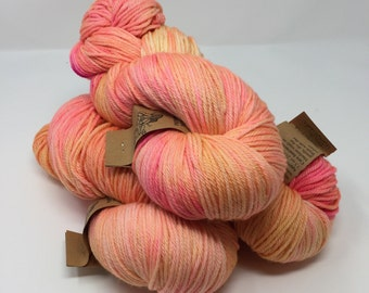 DUTCHESS (worsted) 400 yds- Radioactive Pink Lemonade