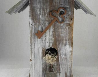 Rustic birdhouse, handmade birdhouse, birdhouse with tin roof