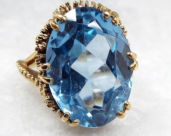 Vintage / 1976 9ct Yellow Gold Huge Ornate Claw Set Blue Topaz Ring / Size M