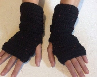 BLACK FRIDAY SALE! Fingerless gloves, black red multicolored Crocheted Fingerless Gloves with a button Mittens Crochet gloves