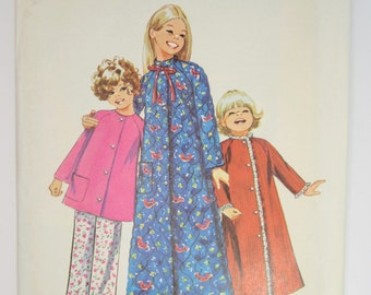 "Simplicity 9688 Girl's Robe Top & Pants Sewing Pattern Size 6 Breast 25"" Uncut"