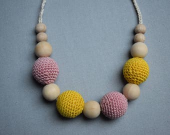 Crochet Nursing Necklace/Breastfeeding Necklace / Teething necklace with crochet beads yellow  beads/ nursing necklace/ handmade beads