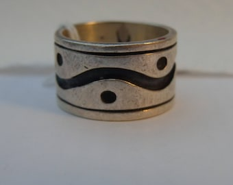 Sterling Silver Wide Bold Band Ring - size 9 1/2