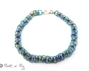 Helm Chain Maille Niobium Bracelet - Green