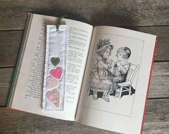 Quilt Block Bookmark, hearts pattern