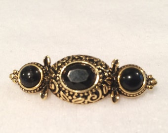 Vintage Gorgeous Faux onyx & Gold Tone Brooch