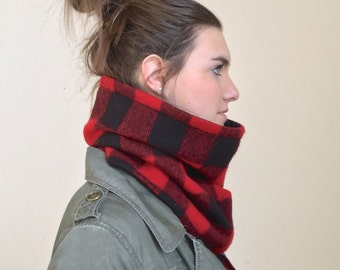 LUMBERJACK wool cowl scarf, unisex red and black plaid wool infinity scarf, mens wool neck warmer