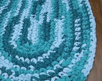 "38""x26"" Teal Hand Crocheted, Oval Rag Rug, Braided Rug, Turquoise and White, Bedroom Rug, Kitchen Rug, Throw Rug, Girl's Rug,Beach Theme Rug"
