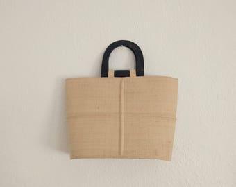 Seashell Handle Straw Handbag. Seashell Handbag. Seashells. Straw Handbag. Vintage Handbag.