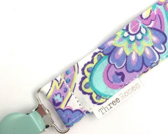 Purple paisley baby dummy clip  l baby dummy clip | boho baby | Baby pacifier clip | cotton Dummy Saver | fabic dummy clip | unisex | baby g