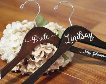 Personalized Bridal Hanger, Bridesmaid Hangers, Bride Hanger, Mrs Hanger, Wedding Hangers, Custom Vinyl Title Hangers