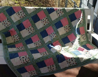 Baby, Toddler, or Lap Quilt: Sunbonnet Sue, Blue, Pink, Green