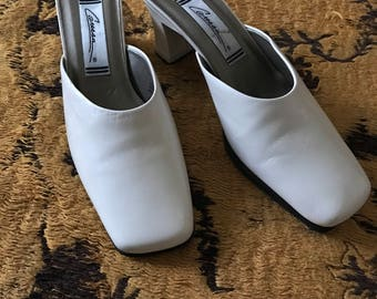 Vintage white 80's slip on shoes with heel size 8