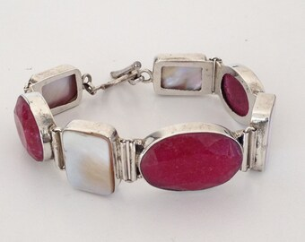 Opaque Red Ruby & Mother of Pearl Bracelet 925 Sterling Silvergw15-354