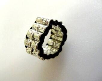Ring silver granules