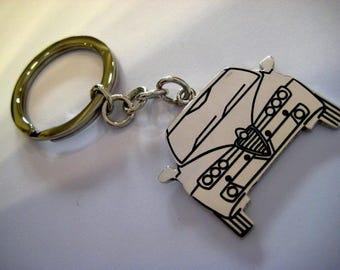 Silver key chain alfa romeo model cars