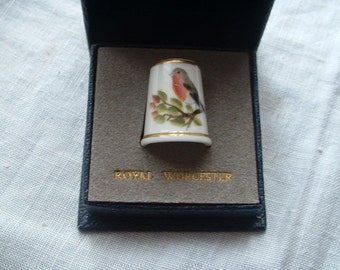 Royal Worcester robin thimble by P. Dunkley