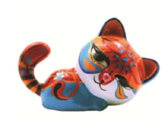 Statue of multicolored resin cat, for collection or decoration, length 6,7 inches / L 17 cm