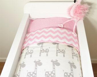 Bassinet gift set OR bassinet quilt - Pink and grey giraffes