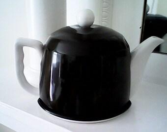 RETRO TEA POT Black and White 1970s