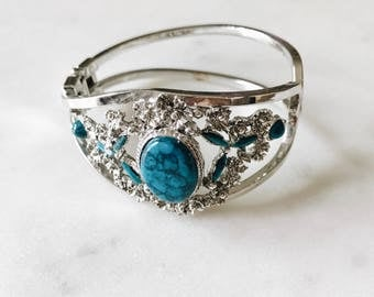 1980's Vintage Western Native American Inspired Turquoise and Silver Cuff Bangle Bracelet