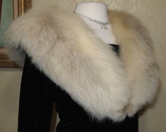 GORGEOUS Fox Fur Stole  Fur Collar