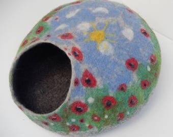 Felted Wool Cat Cave, Poppy Field, Flowers. Made in SCOTLAND, Edinburgh. Made by Feltingstudio
