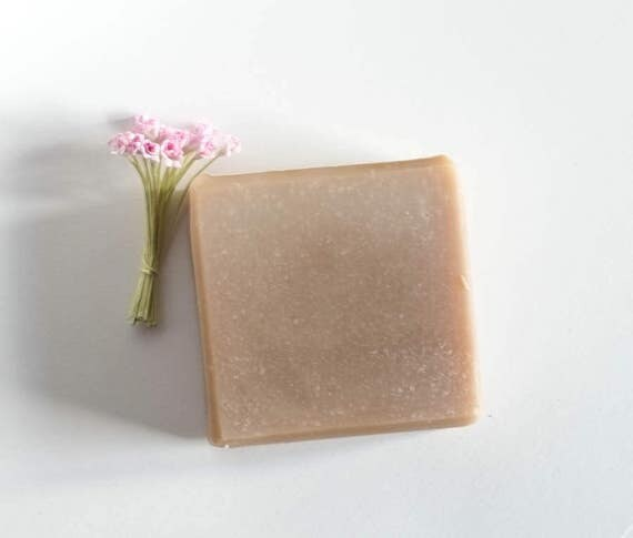 Hunny Bunny | 4oz | Shea Butter Bar | Hint of Sweet  | Lots of Bubbles