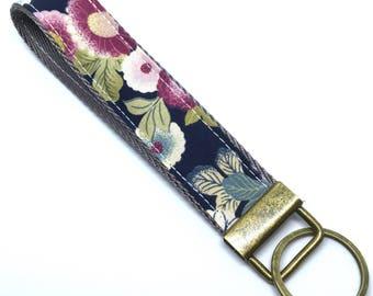 Japanese Wristlet, Key Fob, Fabric Keychain, blue kiku pattern, Japanese kimono pattern, Fabric key fob,  wristlet