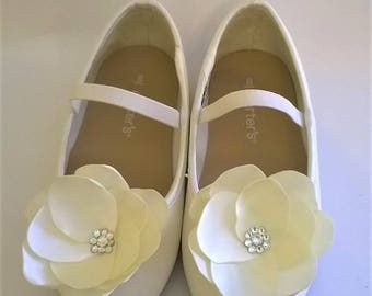 Satin Flower and Crystal Shoe Clips, Flower Girl Shoe Clips, First Communion Shoe Clips, Bridal Shoe Clips, Bridesmaid Shoe Clips