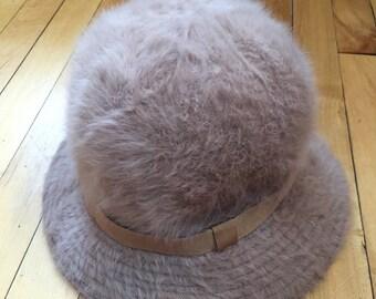 Vintage 1970s Womens Tan Fur Kangol Bucket Hat!