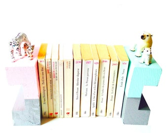 Bookends, pastel, CUBS, made of wood and cutomized with paint and polar animals, tiger and polar bear by SophieLDesign
