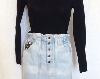 Skirt, faded jeans, high waist, T F 36 / 38, UK 8, US 27 / 10.