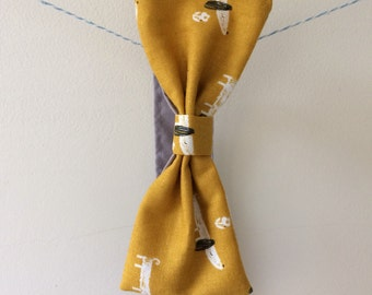 Sausage dog bow tie, sausage dog print, sausage dog gift, baby bow tie, toddler bow tie, children's bow tie, quirky bow tie, mustard and gre