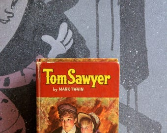 "A striking 1960's  Mark Twain's  Childrens book Classic ""Tom Sawyer"""