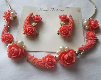 1940s Celluloid Coral Rose Faux Pearl Necklace Set