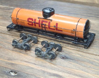HO Scale Train Vintage,  Single Dome Tank Car  - Shell Tank Train Car - Mantua Train, Metal Tank Car - H0 Scale, Electric Toy Train - 1950's