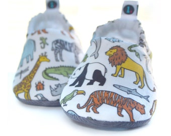 Animal Baby Shoes: gender neutral | baby booties | baby shower gift | baby girl | baby boy | new baby gift | zoo animals | jungle animals