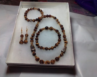 Beautiful Glass Tiger Eye Necklace Set