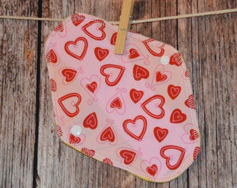7.5″ Liner or Light pad – Daily Protection – Very Light Flow – Love Hearts