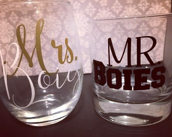 WEDDING GLASS SET *one stemless wine one rocks glass * custom mr & mrs wine glass * gifts for the bride and groom * custom wedding gift