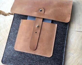 Case cover for iPad from wool felt & leather