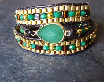 Green and gold leather and chain wrap bracelet, chan luu inspired,kelly green glass bezel bracelet, stone jewelry,green multi wrap bra