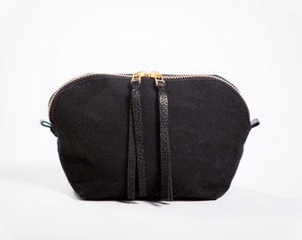 Dopp bag / Cosmetic bag / Toiletry bag / Black