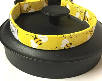 Dog collar, bumble bee dog collar, yellow dog collar, bee collar, adjustable dog collar, puppy collar, pet gift
