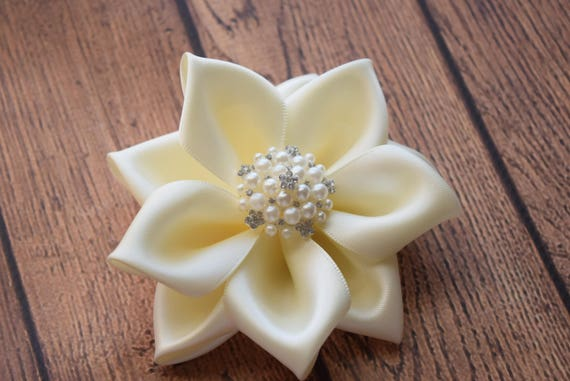 Ivory flower clip, 4 inches Flower Baby clip, Newborn clip,  Infant Headband,Baby clip,  wedding hair clip,hair clip