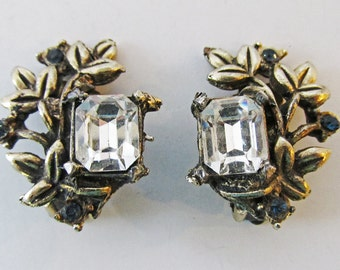 Cool Vintage 1950s Gold Toned Clear and Sapphire Rhinestone Floral Earrings