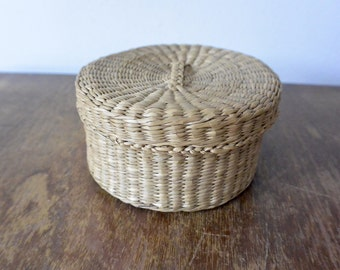Simple Round Basket with Lid
