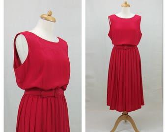 70s vintage pleated dress. Sleeveless dress. Red dress. Leslie Fay dress. XL-XXL size.